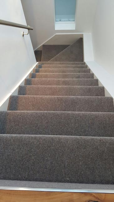 portfolio-carpets-grey-carpet-installed-to-a-clients-premises-05