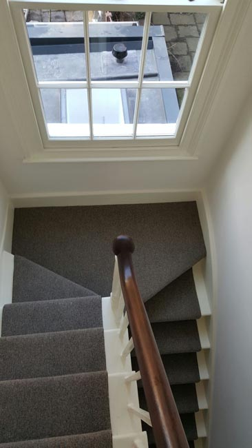 portfolio-carpets-grey-stair-runner-with-whipping-05