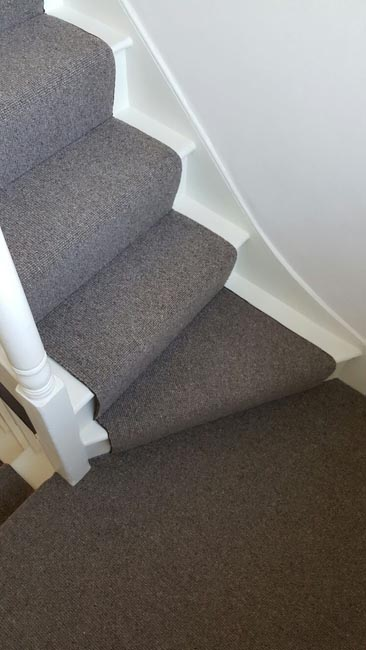 portfolio-carpets-grey-stair-runner-with-whipping-06
