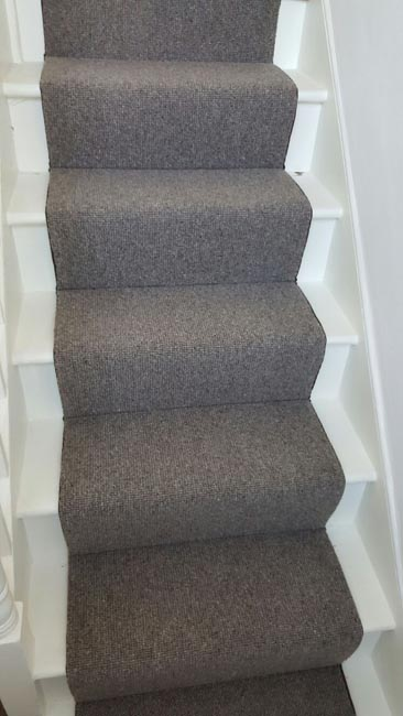 portfolio-carpets-grey-stair-runner-with-whipping-07