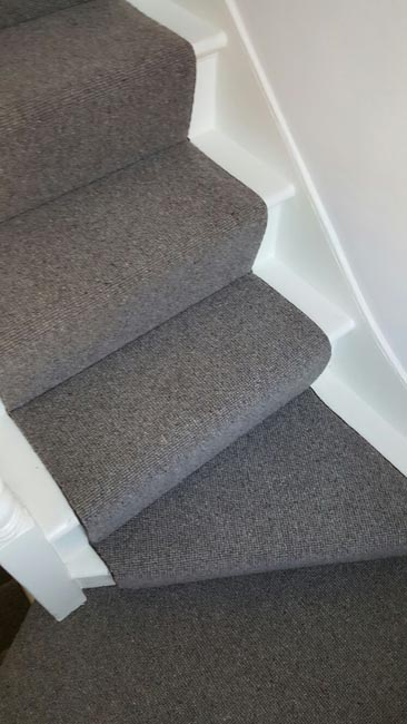 portfolio-carpets-grey-stair-runner-with-whipping-08