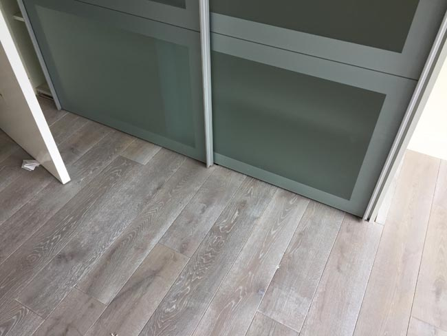 portfolio-hardwood-flooring-grey-wood-installation-02