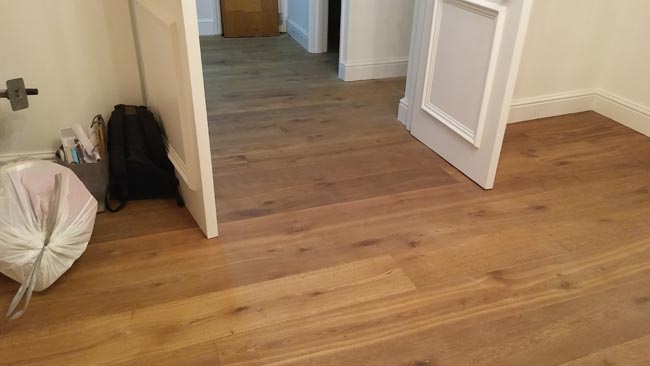 portfolio-hardwood-flooring-room-in-a-wood-02
