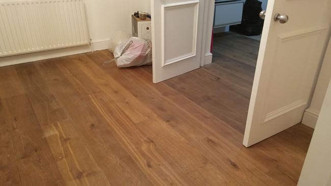 portfolio-hardwood-flooring-room-in-a-wood-04