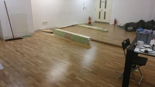 portfolio-hardwood-flooring-room-in-a-wood-07