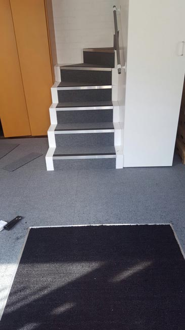 portfolio-commercial-carpet-tile-as-a-runner-on-stairs-04