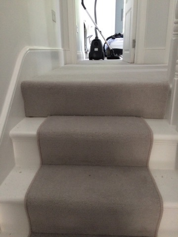 portfolio-grey-carpet-as-a-stair-runner-01