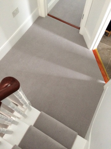 portfolio-grey-carpet-as-a-stair-runner-02