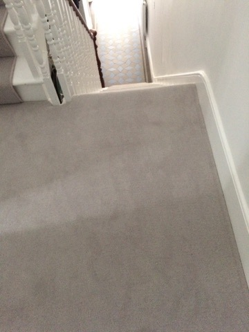 portfolio-grey-carpet-as-a-stair-runner-04