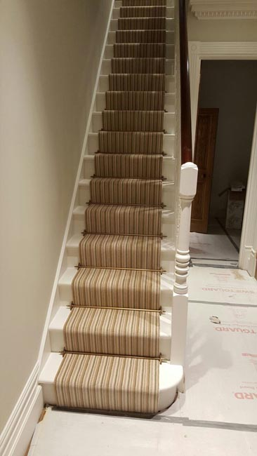 portfolio-striped-carpet-stair-runner-with-brass-stairrods-08