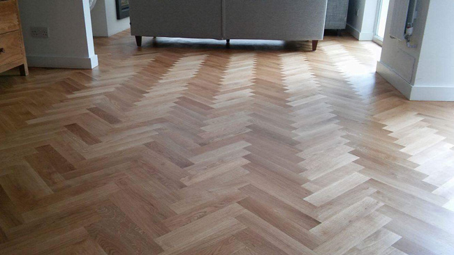 portfolio-hardwood-floors-solid-oak-herringbone-01