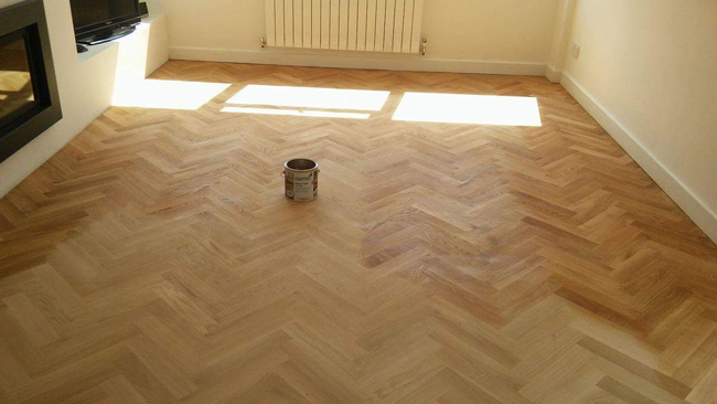 portfolio-hardwood-floors-solid-oak-herringbone-02