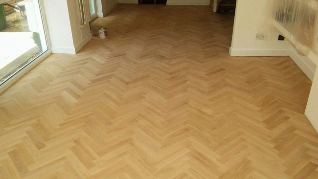 portfolio-hardwood-floors-solid-oak-herringbone-03