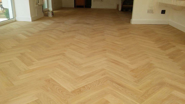 portfolio-hardwood-floors-solid-oak-herringbone-04