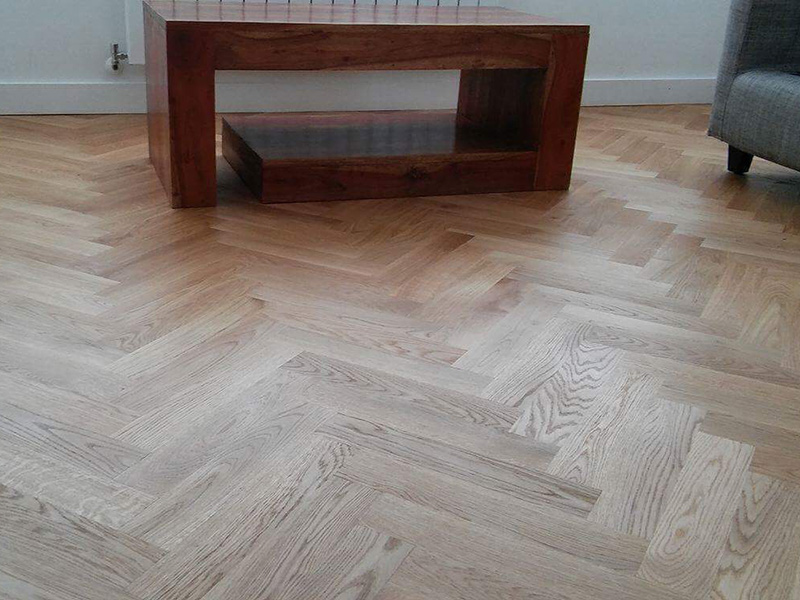 portfolio-hardwood-floors-solid-oak-herringbone