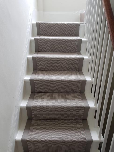 portfolio carpet runner with a greyish brownish border 01
