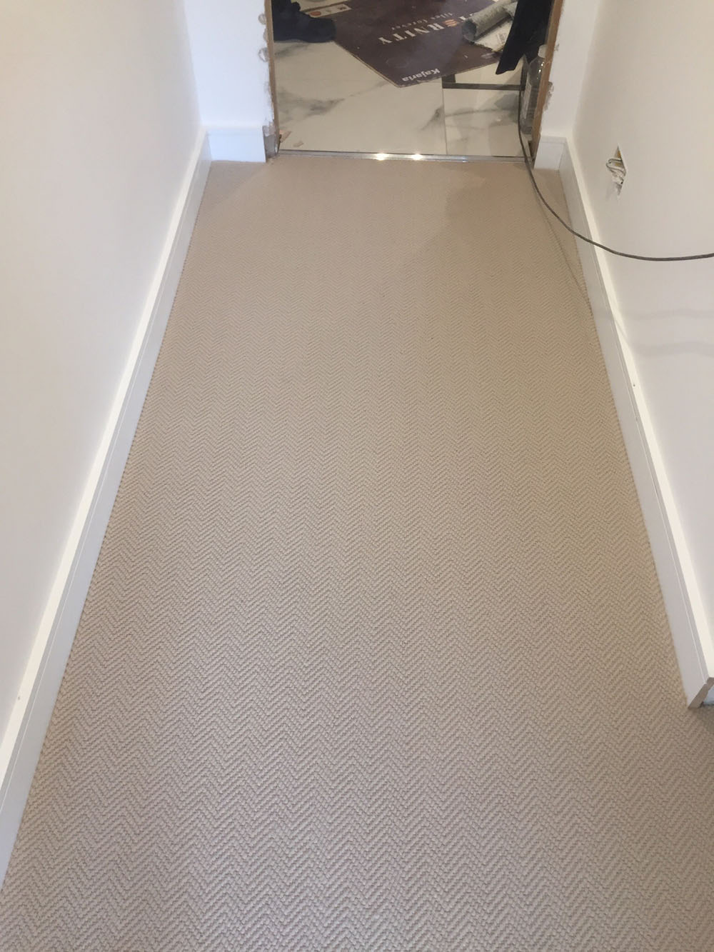 PORTFOLIO - GREY WOOL CARPET IN AREAS (4)