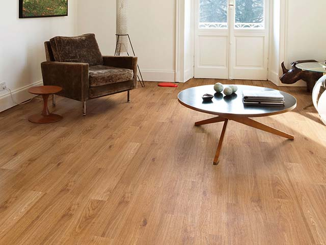 j2 Flooring – Golden Oak