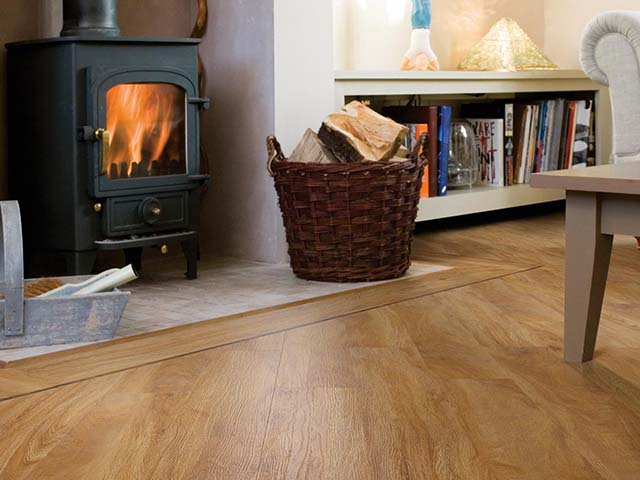 j2 Flooring – Warm Oak