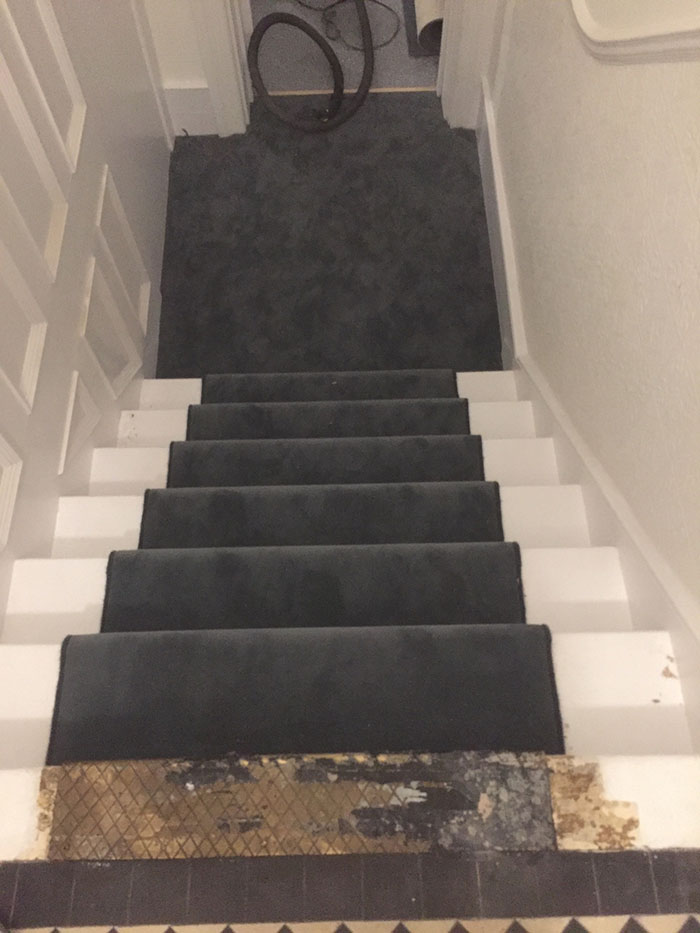 PORTFOLIO - DARK STAIR RUNNER (1)