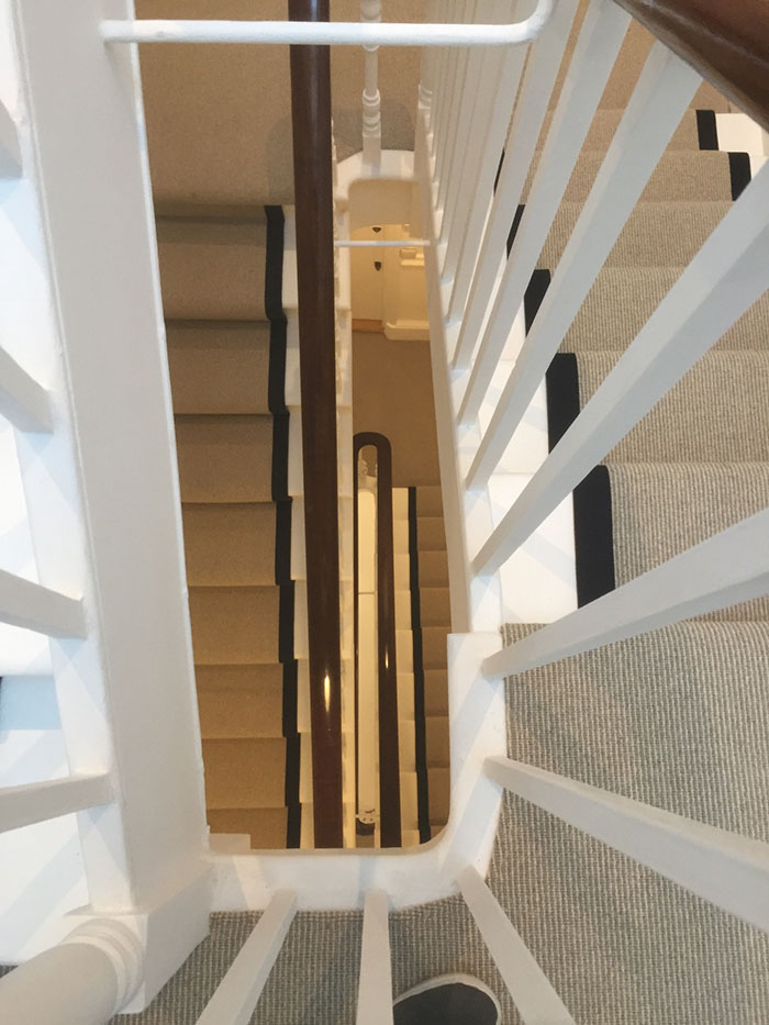 PORTFOLIO - LIGHTER CARPET ON STAIRS WITH BLACK BINDING (7)