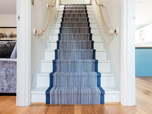 Fibre Flooring  – Fibre Wool Longitude Barbados Fitted Stairs With Navy Blue Cotton Binding With Crop