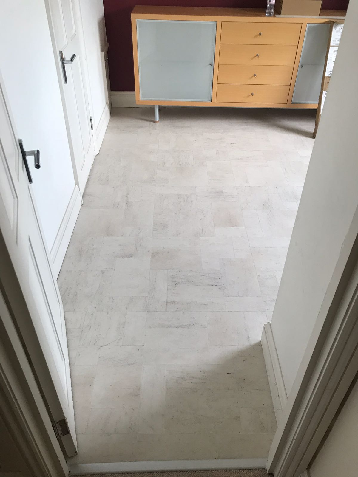 portfolio smooth floors amtico-honed-limestone-Natura-installation-clapham (4)