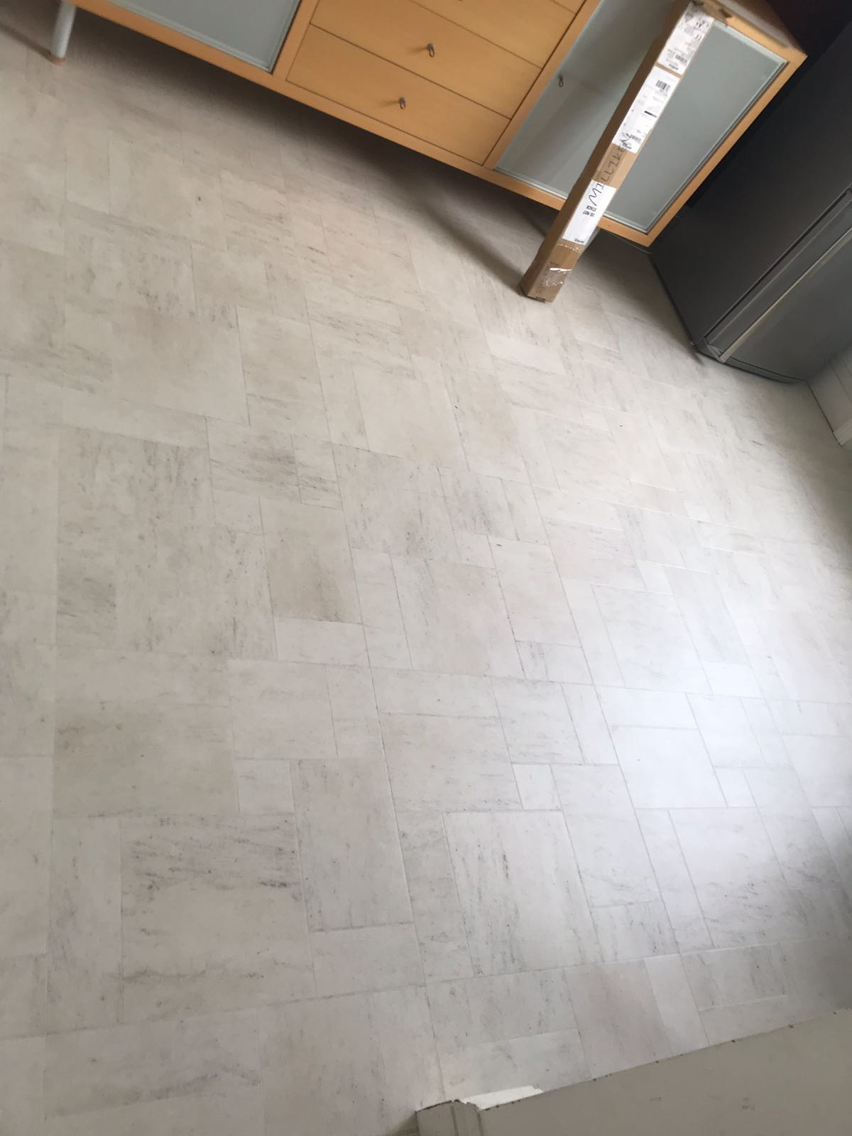 portfolio smooth floors amtico-honed-limestone-Natura-installation-clapham (5)