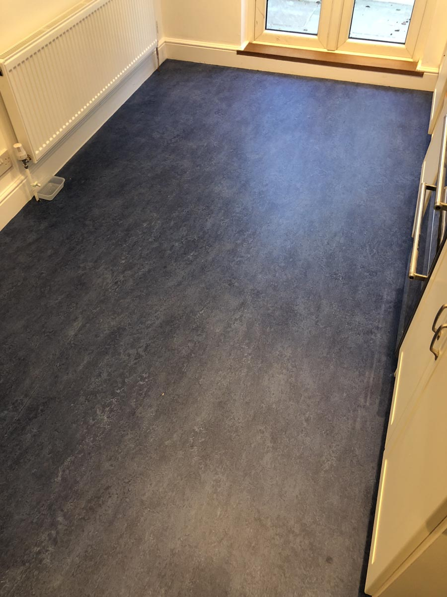 portfolio smooth floors marmoleum-flooring-installation-st-johns-wood (3)