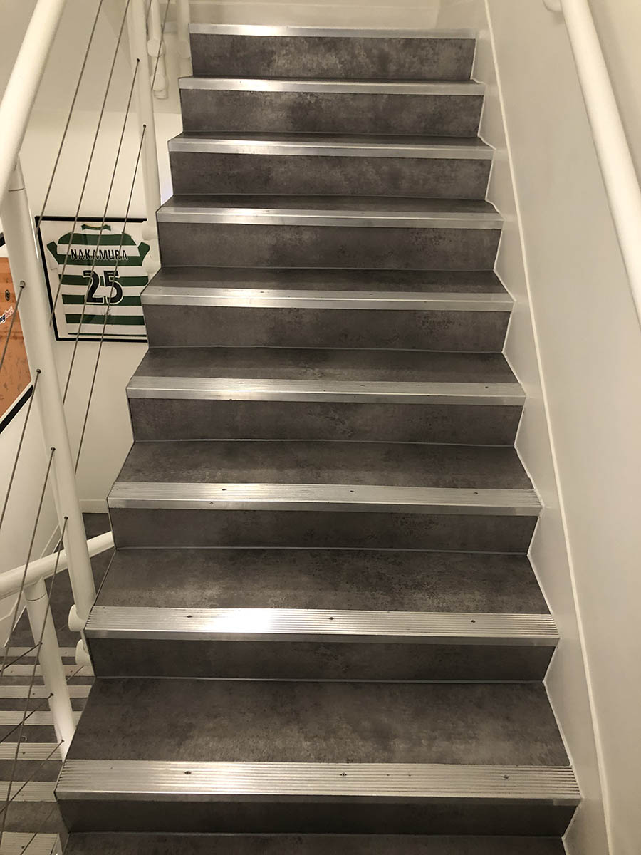COMMERCIAL WORKS - COMMUNAL STAIRS AT OFFICES IN CAMDEN - AMTICO KURA CARAWAY (4)