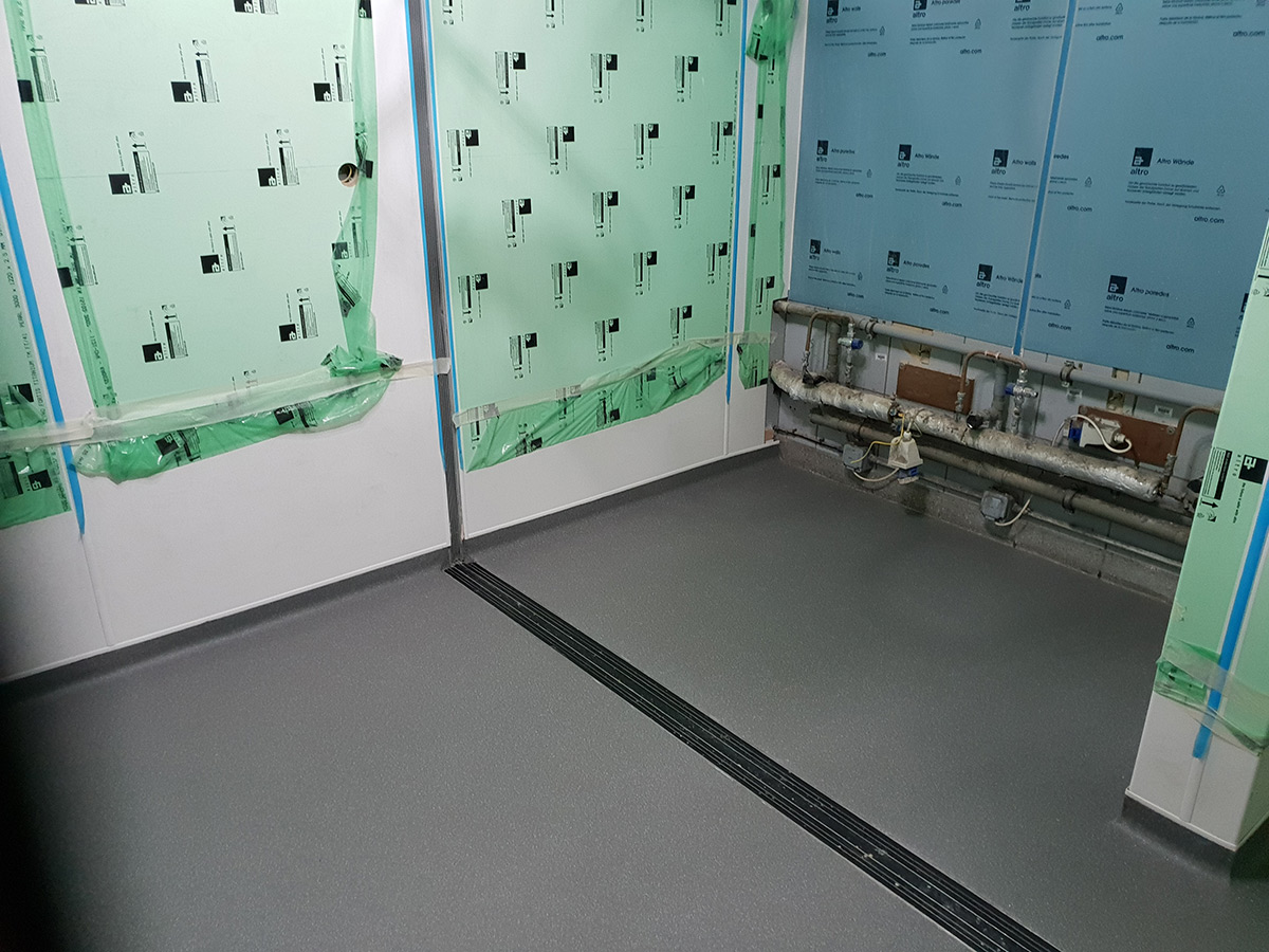 portfolio commercial Altro Flooring Installed At Stansted Airport (3)