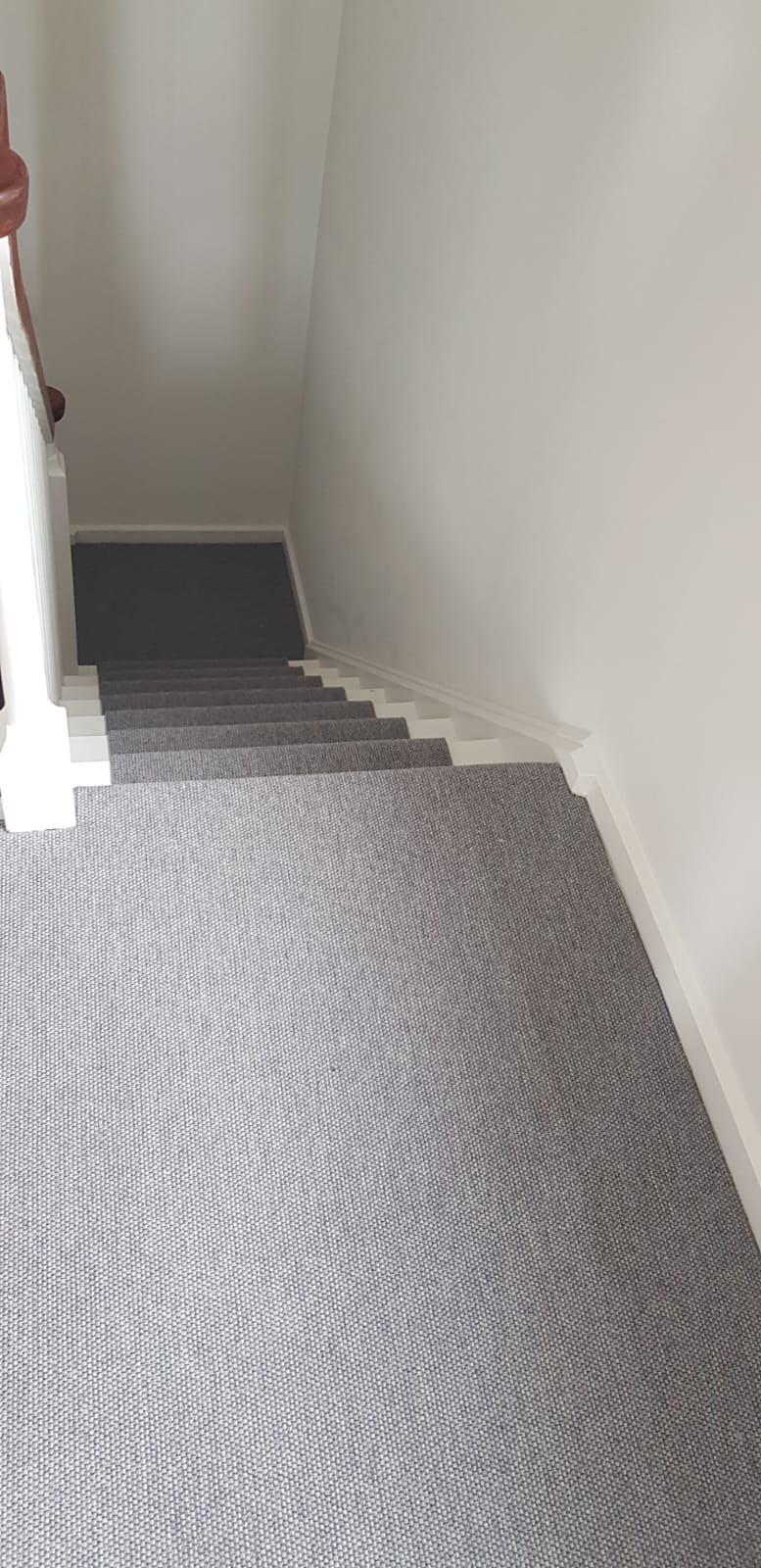 portfolio grey-carpet-installed-wembley (3)