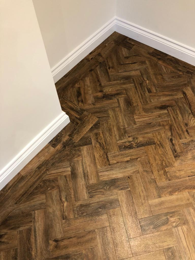 portfolio smooth floors AMTICO WOOD HERRINGBONE JOB (3)