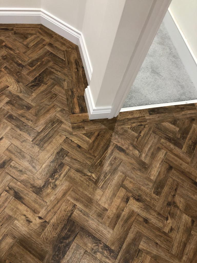 portfolio smooth floors AMTICO WOOD HERRINGBONE JOB (5)