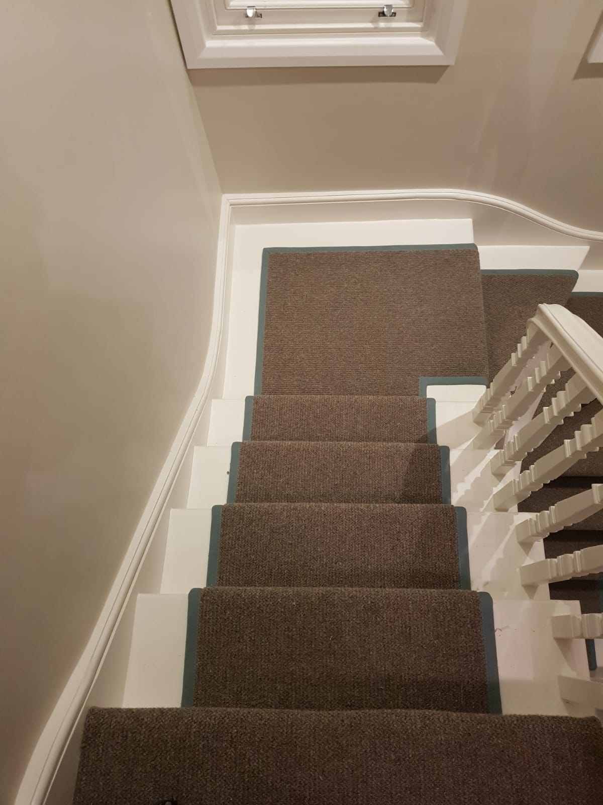 portfolio brown-stair-carpet-installation-new-malden (3)