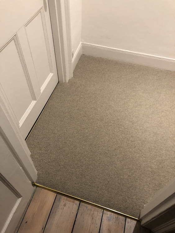 portfolio grey-carpet-stairs-installation-stoke-newington (3)