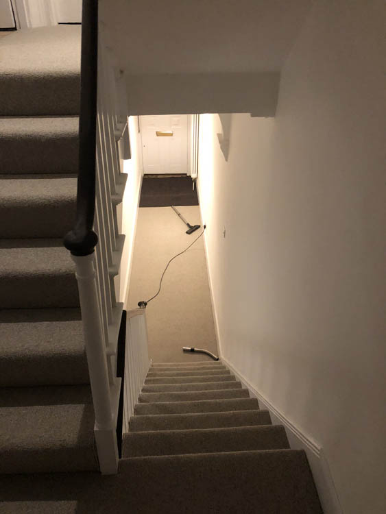 portfolio grey-carpet-stairs-installation-stoke-newington (6)