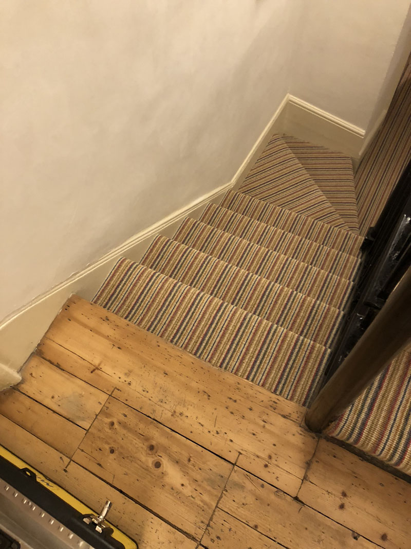portfolio-striped-carpet-stairs-installation-soho (11)