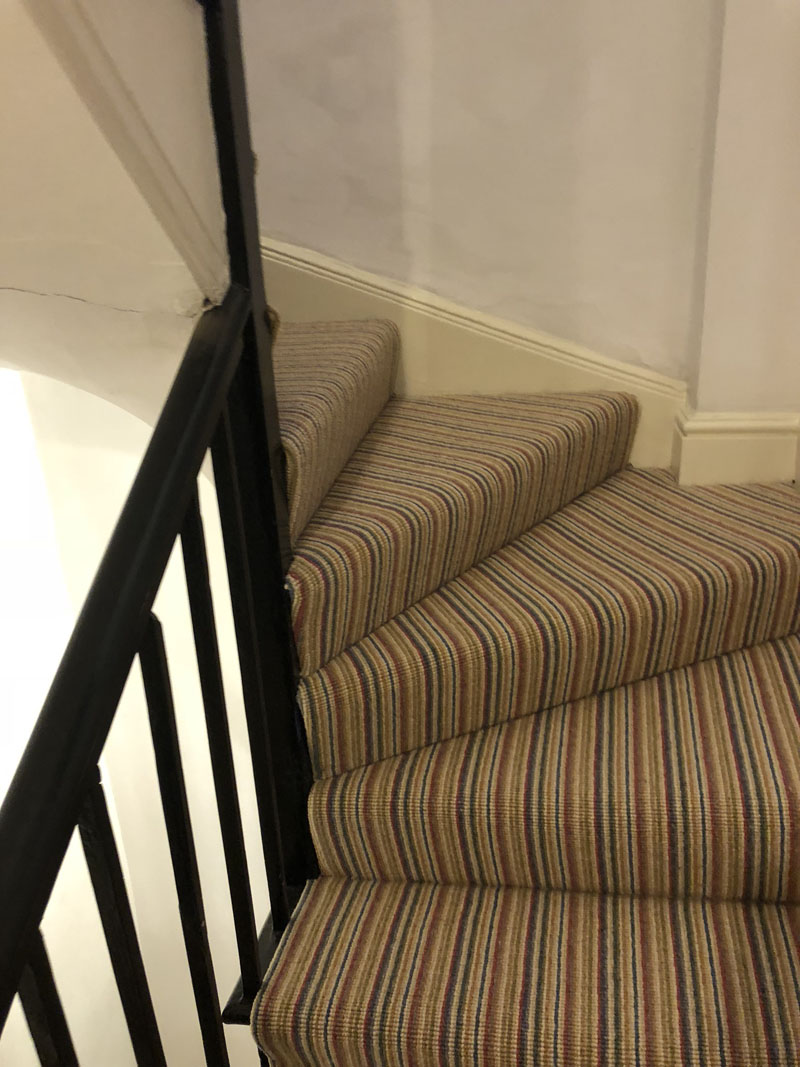 portfolio-striped-carpet-stairs-installation-soho (3)