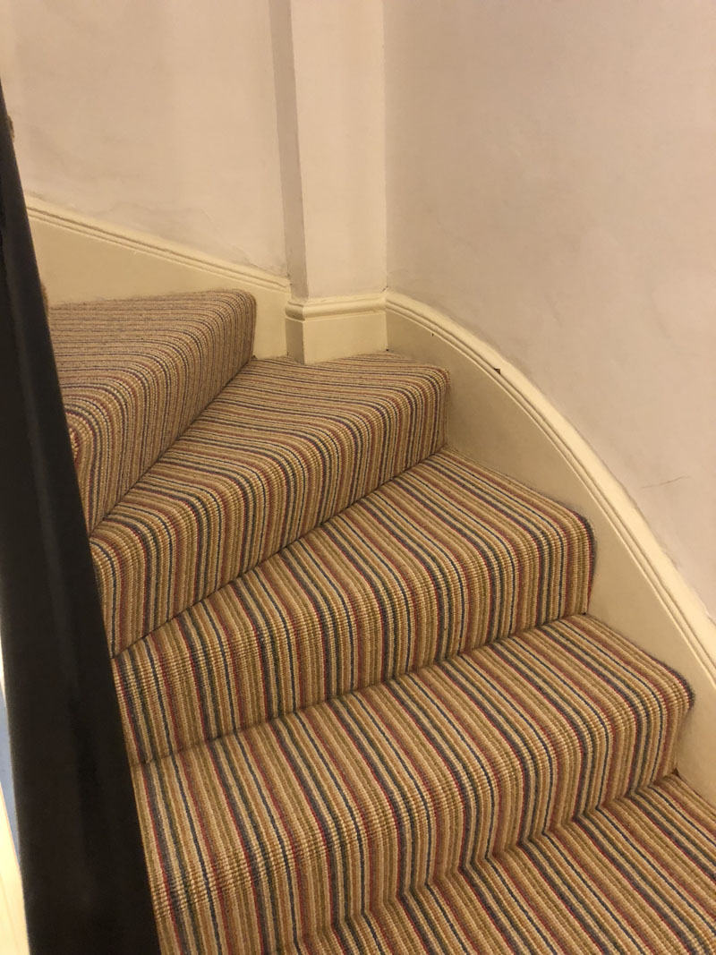 portfolio-striped-carpet-stairs-installation-soho (5)