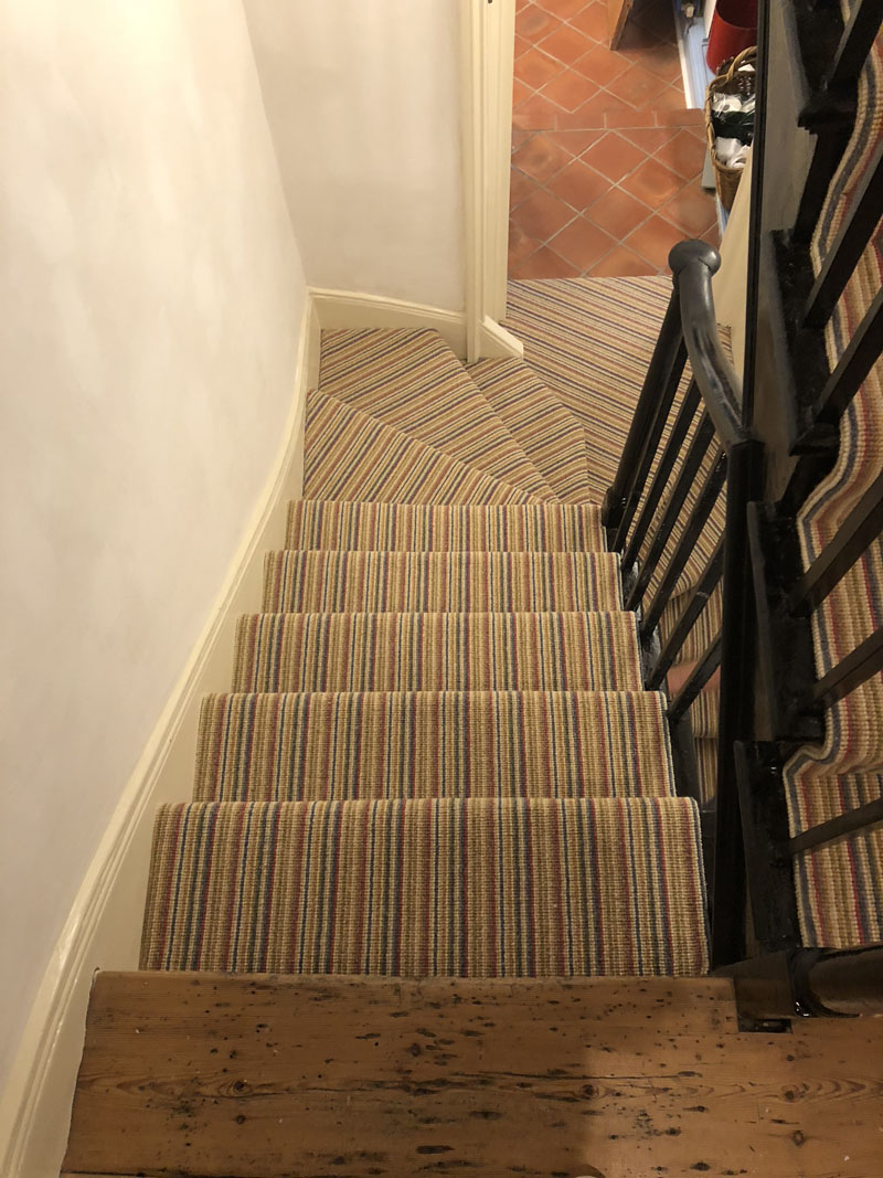 portfolio-striped-carpet-stairs-installation-soho (6)