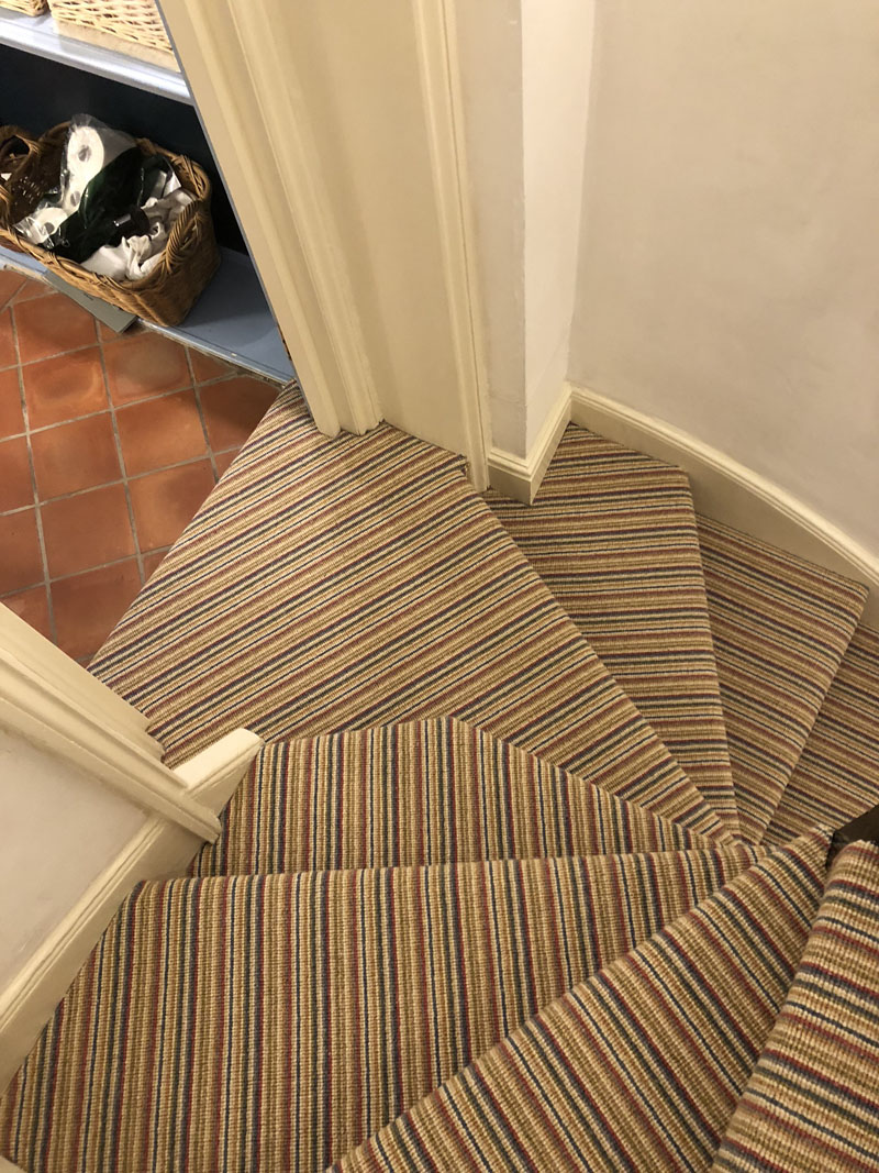 portfolio-striped-carpet-stairs-installation-soho (7)