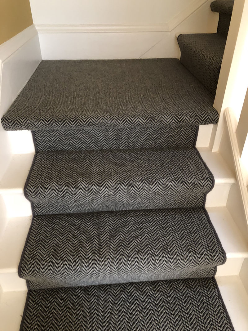 portfolio-dark-grey-stair-carpet-whipping-edges-holloway (1)