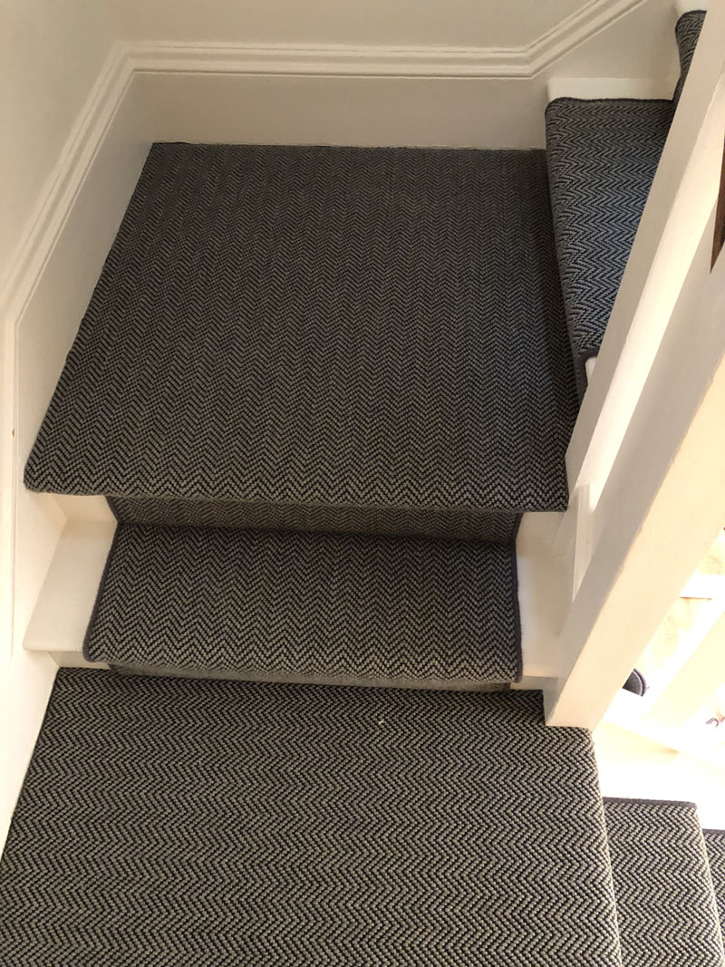 portfolio-dark-grey-stair-carpet-whipping-edges-holloway (9)