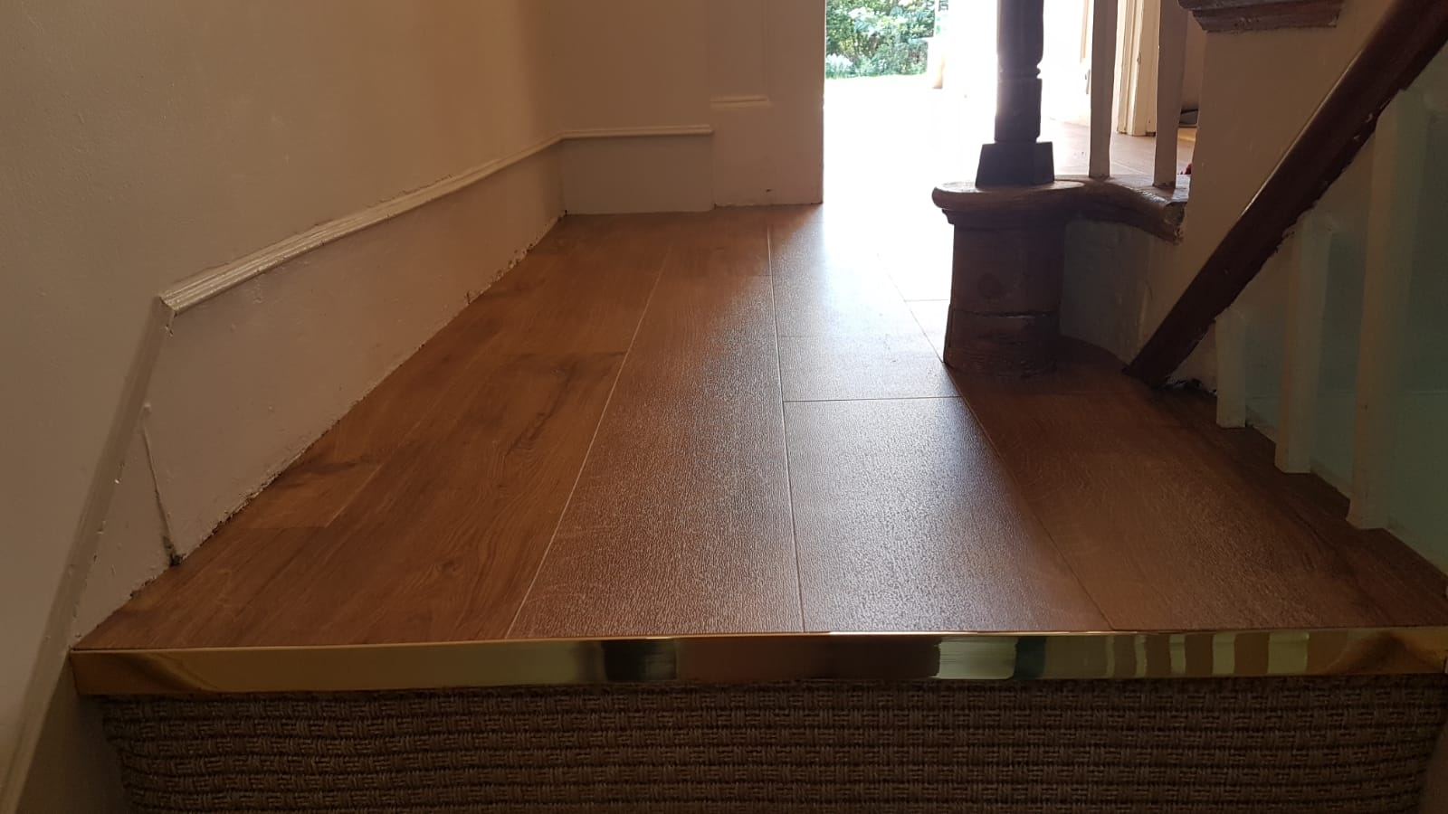 portfolio-smooth-floors-amtico-spacia-sherwood-oak-installation-newham (1)