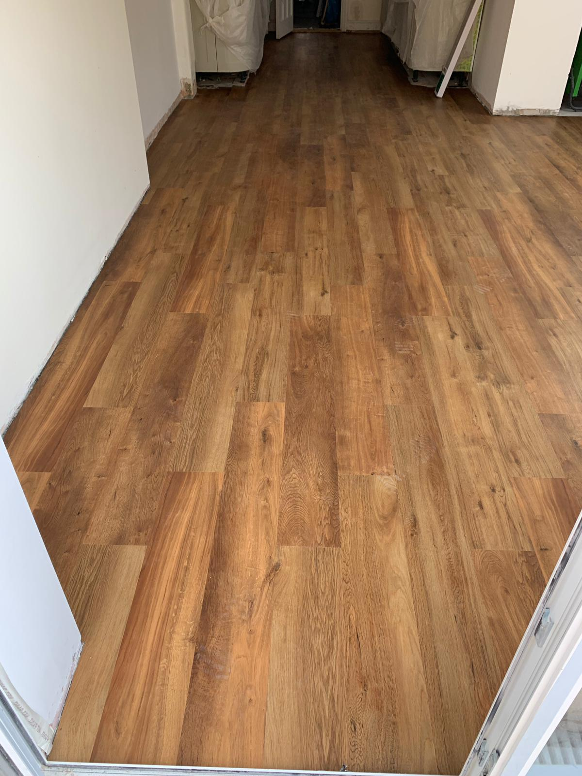 portfolio-smooth-floors-karndean-van-gogh-vinyl-flooring-installation-wembley (1)