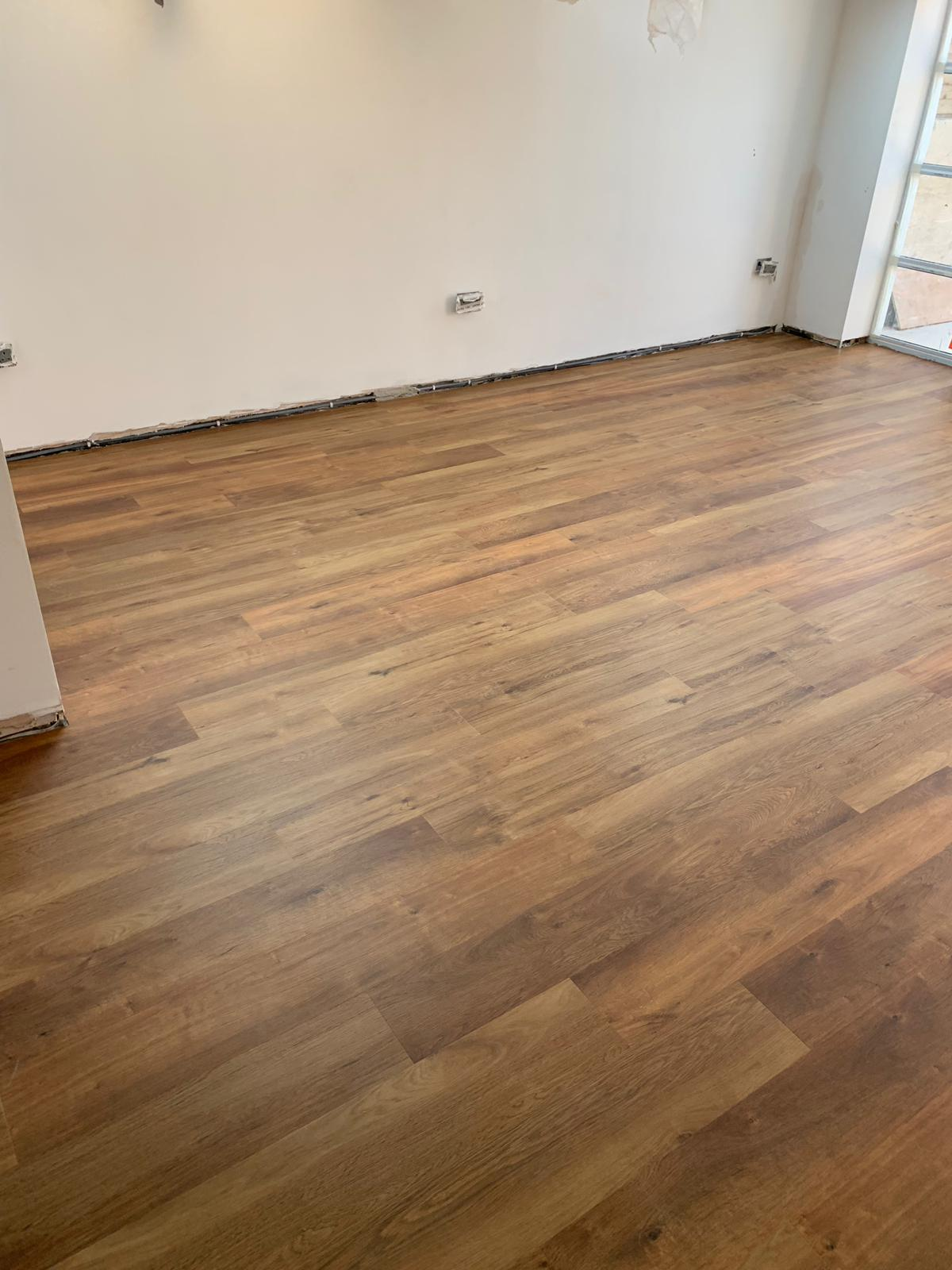 portfolio-smooth-floors-karndean-van-gogh-vinyl-flooring-installation-wembley (2)