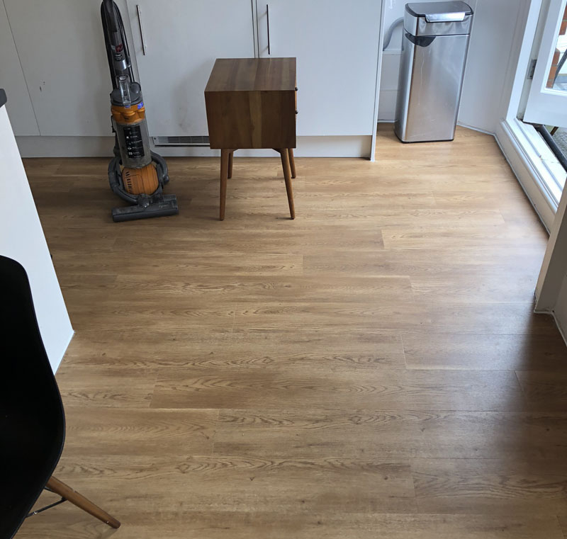 portfolio-smooth-floors-amtico-luxury-vinyl-floorring-wood-effect-farringdon (18)