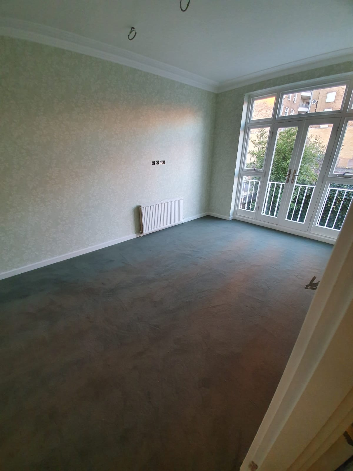 To supply & install grey carpet to room 1