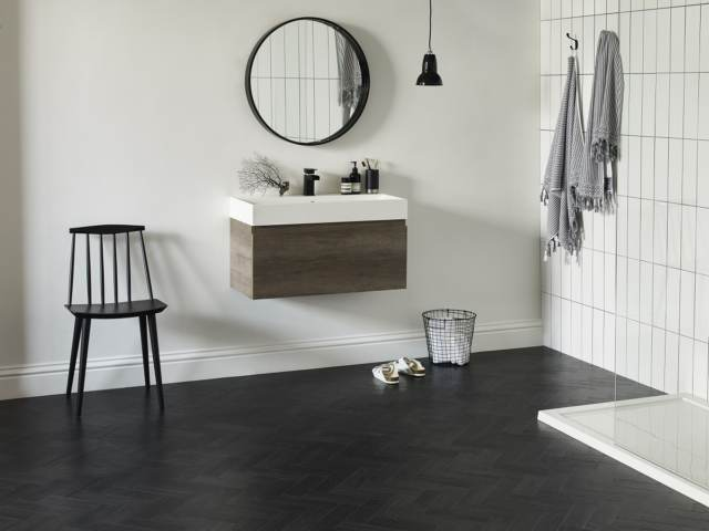 Amtico Form – Coal Grained Oal in Parquet Laying Pattern (landscape)
